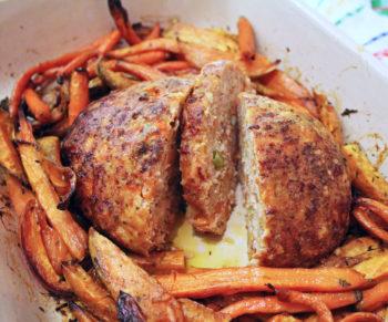 Kippengehaktbroodje met wortelen en zoete aardappel